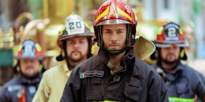 Abogado y bombero, la combinación perfecta